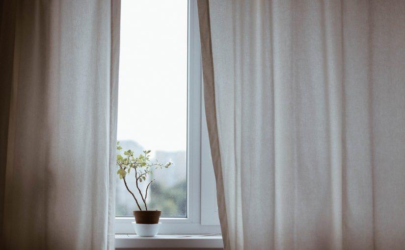 Wymiana okien na ciepłe – co warto wiedzieć przed zakupem?